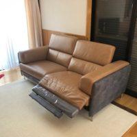 イタリアンレザーの電動ソファー