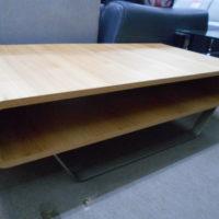 木目のきれいなセンターテーブル